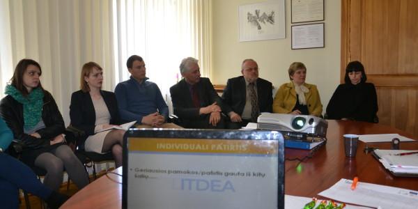 """Diskusija ,,Vystomasis bendradarbiavimas ir švietimas iš regioninės perspektyvos"""" Rietave"""